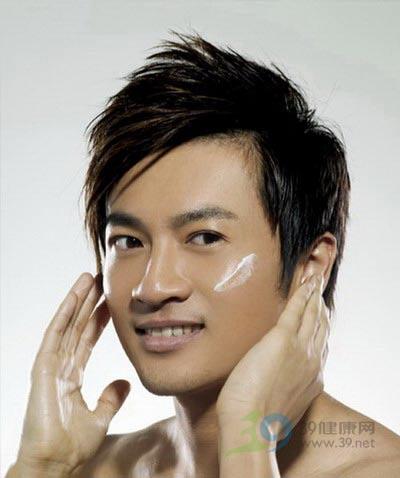 型男護膚 肌膚控油是關鍵