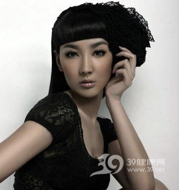 泰國長髮美女傳授傳統護髮方法