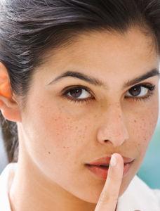 雀斑痘印都消除 四類護膚法讓你白淨一下