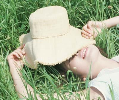 黃皮膚美眉 夏日防曬策略