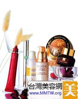 導語:眼睛周圍的肌膚不同於其他部位的肌膚,是面部皮膚中角質層最薄、皮膚腺分佈最少的部位。因此,對眼睛的護理可謂是重中之重,而眼霜也是護膚品中價格較高的產品。但不幸的是,雖然很多MM用了大量的、昂貴的