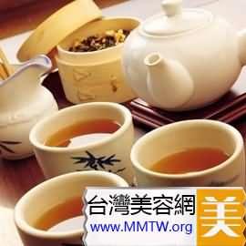 養脾補胃:生薑黃芪紅棗茶