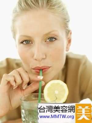 想消除橘皮組織就要遠離碳酸飲料