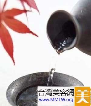 日本:清酒泡澡