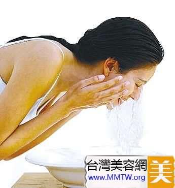 洗澡別因小失誤惹上大疾病