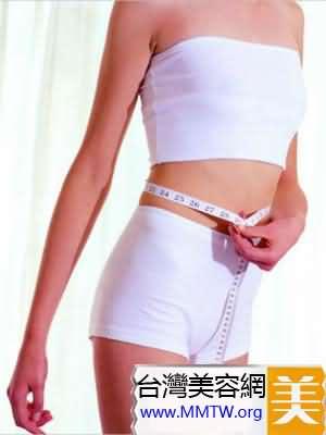 瑜伽的平板式能讓小腹更加平坦