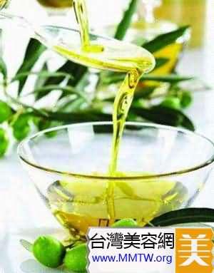 橄欖油嬰兒油卸唇妝