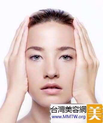 日本卸妝法 溫熱手掌去污垢