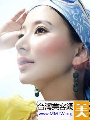 氣候乾燥女人秋季護唇小方法