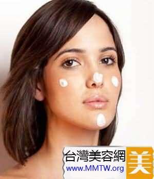 潔面產品按臉部劃分來用