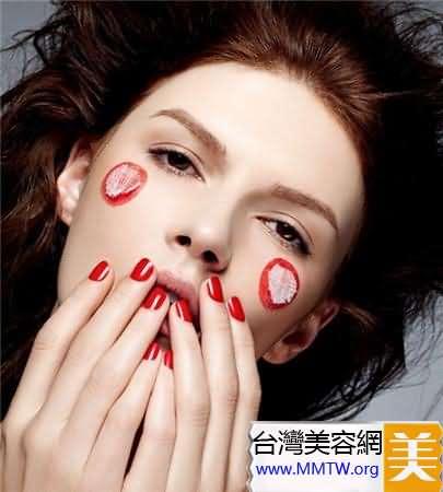 3步塑造TA最想親吻的柔潤豐盈美唇