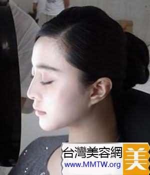 化妝棉加上化妝水敷臉
