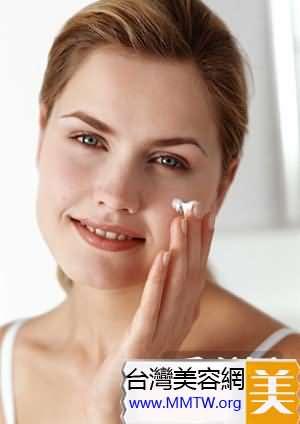幫助肌膚正常運作代謝,20出頭抗老不嫌早