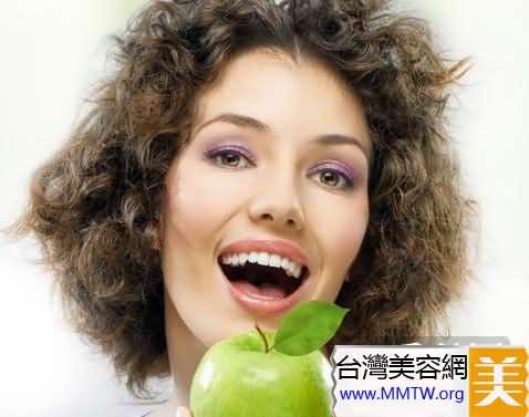 揭秘好萊塢女星10個牙齒美白秘訣(4)