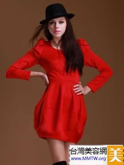 紅色連衣裙時髦減齡