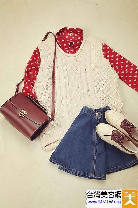 針織衫短裙完美搭配 帶來暖暖春天氣息