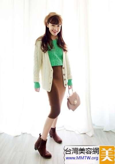 春季扮嫩有妙招 毛衣裙子搭配超減齡