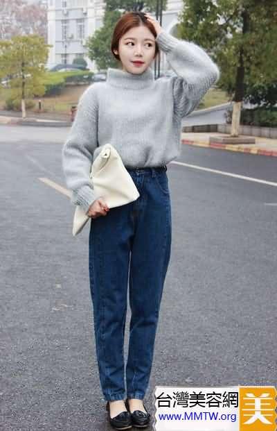寬鬆毛衣緊身褲 巧遮肚子顯腿長