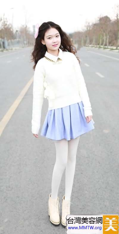 萌妹子春日美搭 短裙甜美LOOK