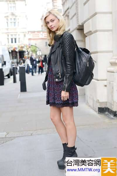春季短外套配短裙 秀腿顯高更俏皮