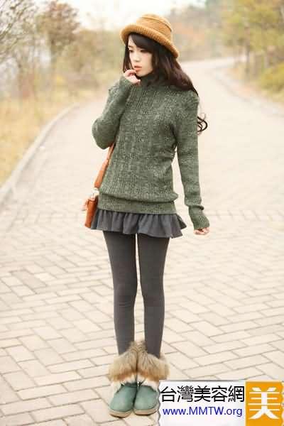 陽春單穿毛衣 搭配短裙甜美又顯高