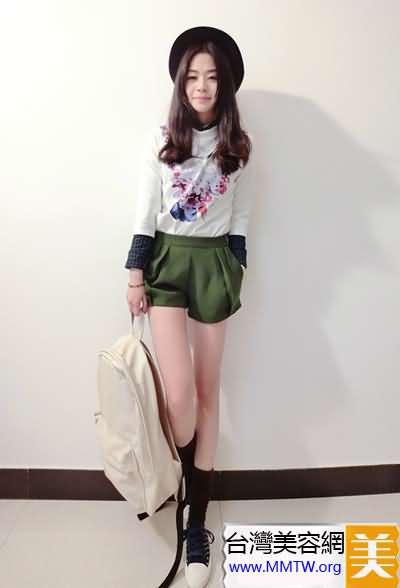 休閒T恤+甜美短裙 小個子顯高很簡單