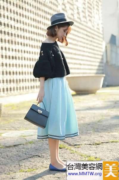 春季毛衣配長裙 既有溫度又有風度
