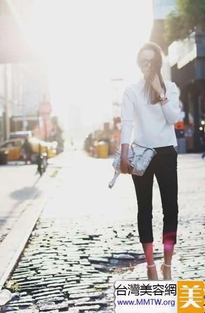 穿上緊身褲細高跟 長腿女神就是你