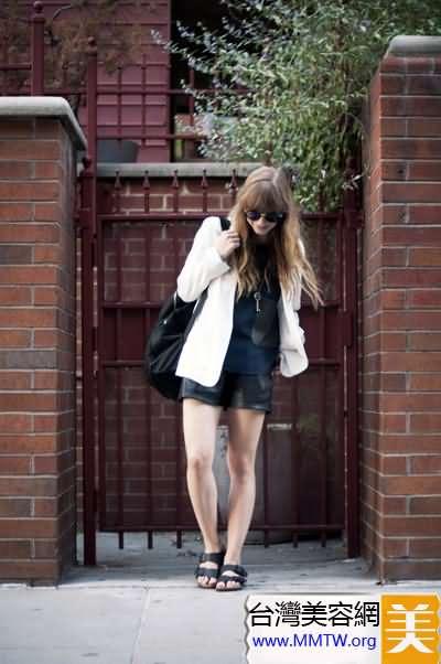 春裝薄西服配短褲 舒適帥氣女人范