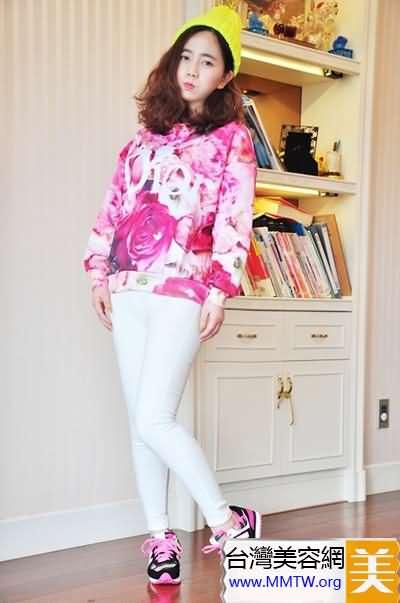 衛衣搭配小腳褲 春季出遊舒適又美麗