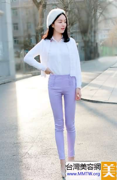 白襯衣緊身褲清新搭 穿出長腿顯瘦又高挑