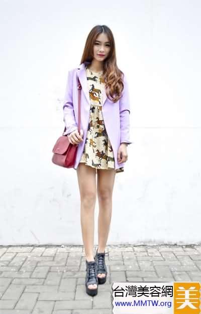 亮色西裝配短裙 春季約會甜美搭配