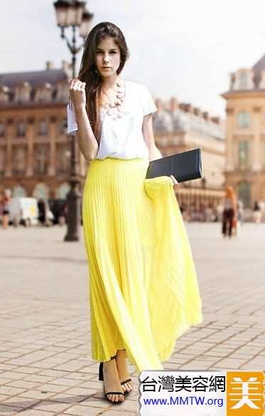 T恤襯衣+亮色長裙 簡約搭配更有女神范