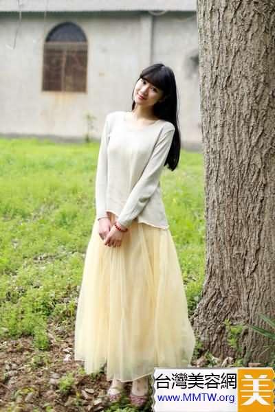 T恤襯衣+長裙顯瘦 粗腿肥臀也有女神范