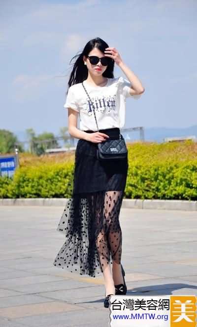 淑女最愛半身長裙 搭配T恤混搭也仙女