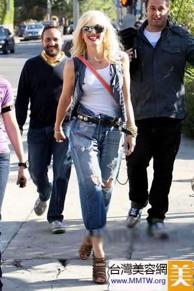 微胖女褲裝+高跟鞋 大塊頭更有大氣場