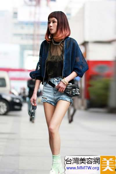 牛仔短褲選破洞 搭配T恤穿出街頭風
