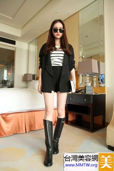 小西裝+短裙或短褲 搭配高跟鞋超有女人味