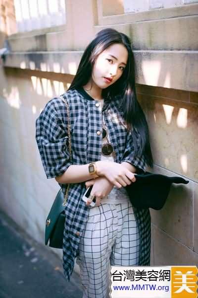 格子襯衫當外套 休閒時髦學院風