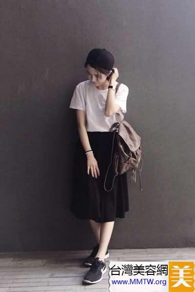 雙肩包+半身裙