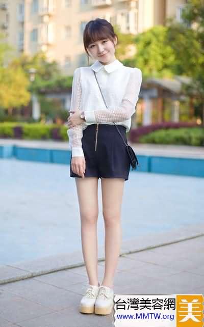 短褲+厚底鞋增高顯腿長 簡搭變高白瘦【圖】