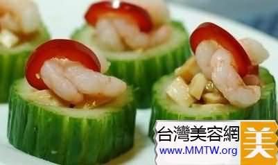 黃瓜所含的黃瓜酸,能促進人體的新陳代謝,排出毒素