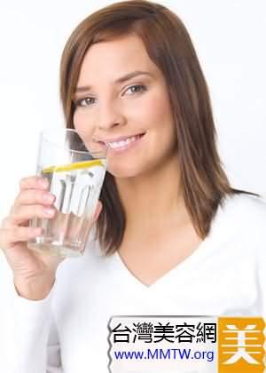 補充足夠的水分