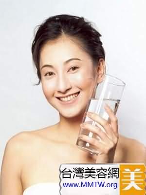 空腹喝泉水