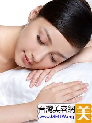 夜間減肥方法 洗澡睡覺躺著變苗條