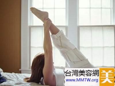 床上6個運動 輕鬆減肥hold住好身材
