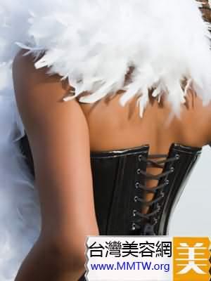 內衣緊胸部易變形 揭秘塑身衣瘦身5大雷區